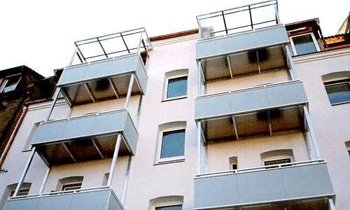 Balkonneuerstellung Alu mit Trespa