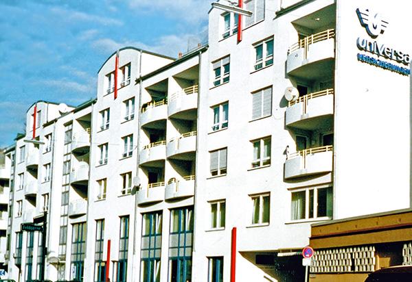 Universa Versicherung - 3500 m² Fassade / Gerüst / Wärmedämmung